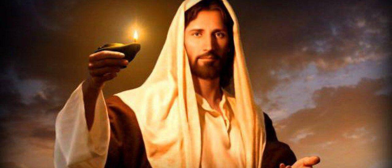 La lampada si pone su un candelabro, perché chi entra veda la luce.  + Dal Vangelo secondo Luca 8,16-18
