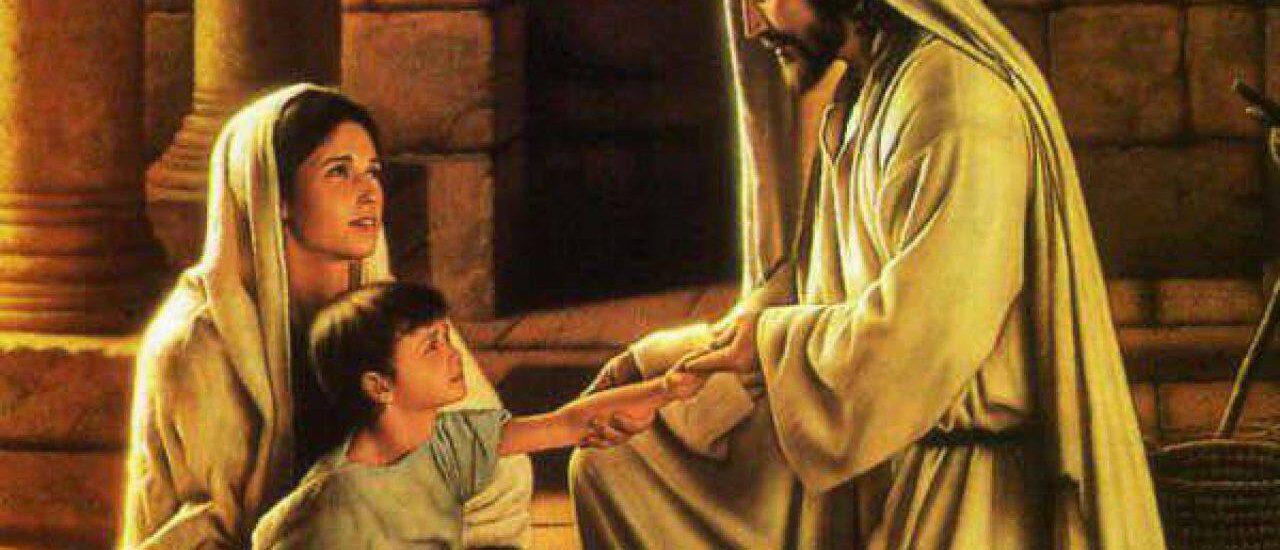 C'erano con lui i Dodici e alcune donne che li servivano con i loro beni.  + Dal Vangelo secondo Luca 8,1-3
